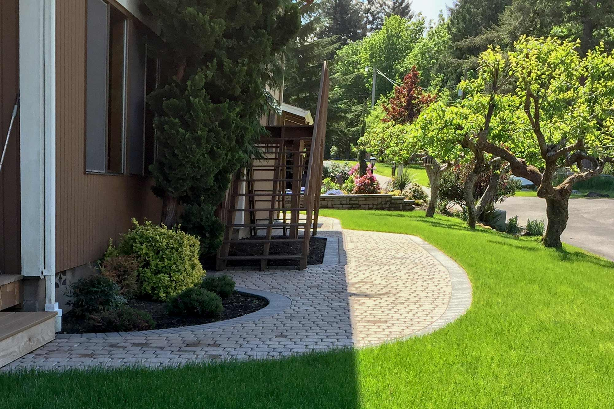 wrap-around paver patio