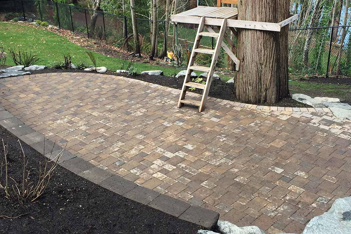 Dominion Slate paver patio leading to tree house