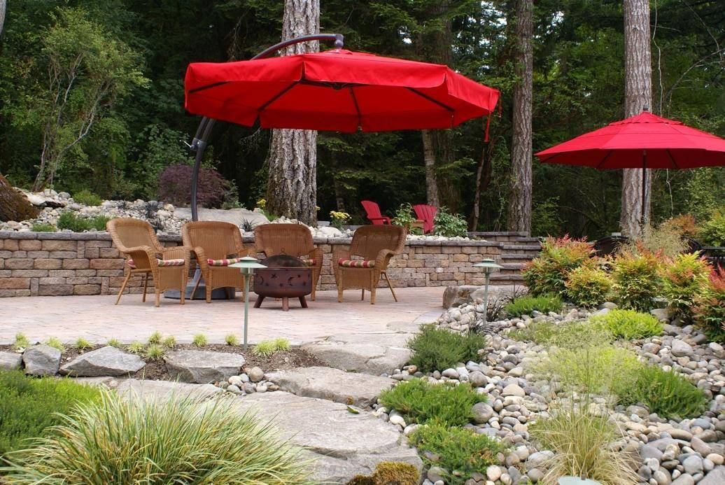 red umbrellas paver patio